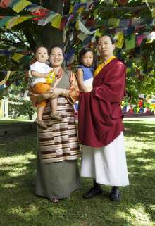 Ratna_Vajra_Rinpoche_family